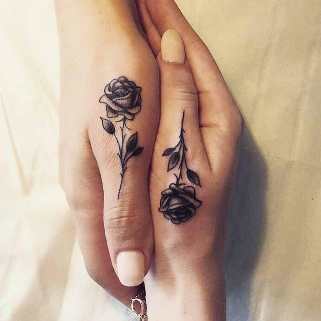 蓬小姐闺蜜拇指玫瑰小清新纹身图案